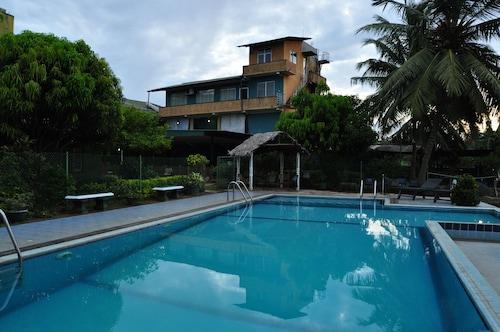 . Nilketha Villa Eco Hotel