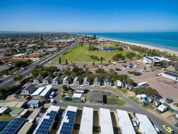 探索公園 - 阿德雷德海濱飯店 Discovery Parks – Adelaide Beachfront