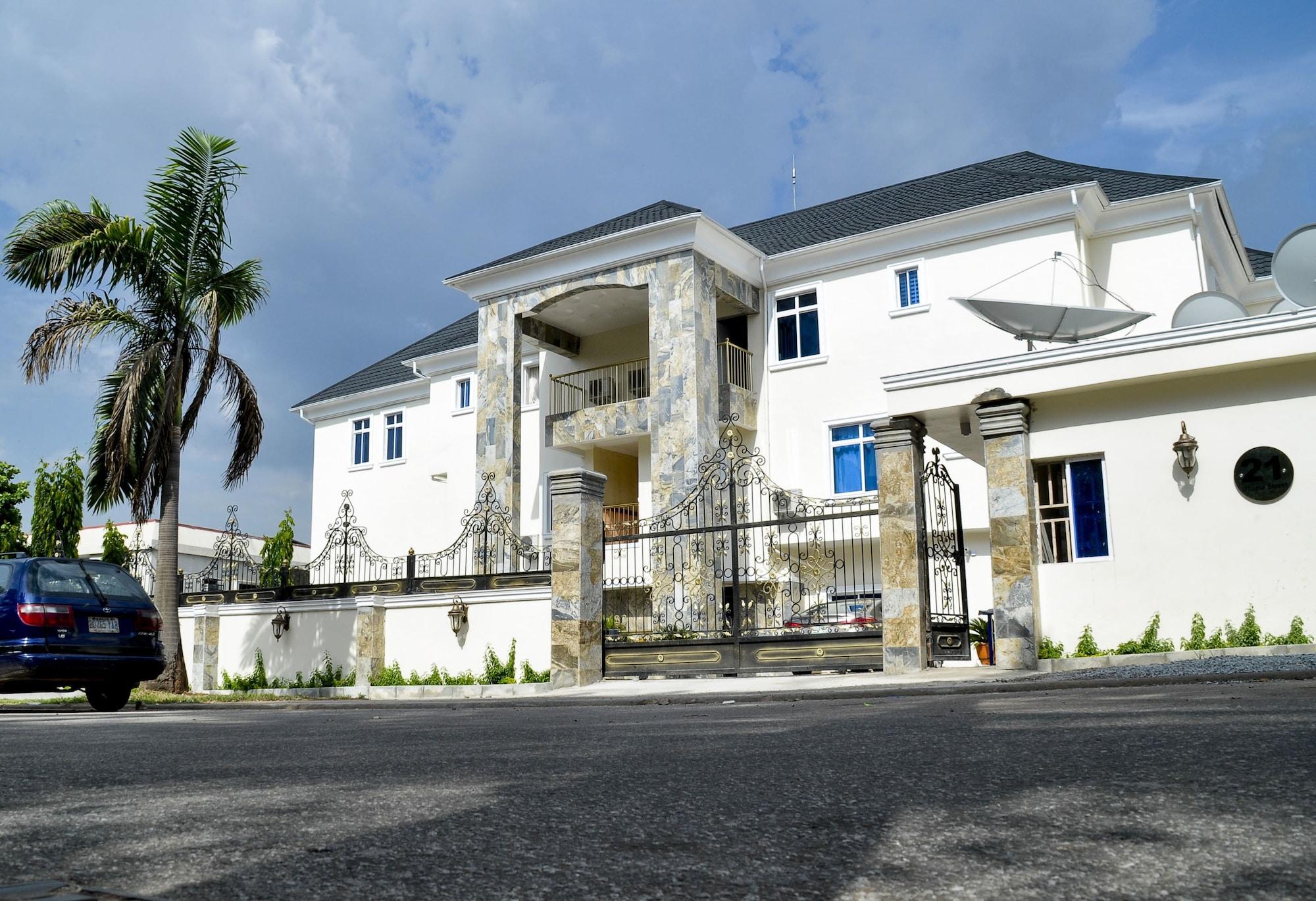 Caledonian Suites, Bwari