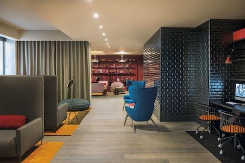 . OKKO Hotels Lyon Pont Lafayette