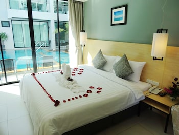Double Room, Pool Access