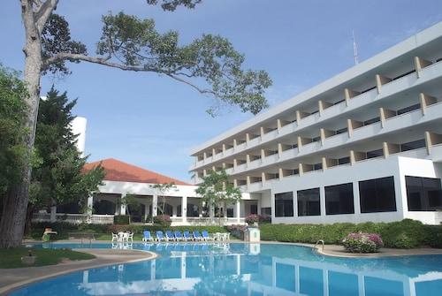 . Purimas Beach Hotel & Spa