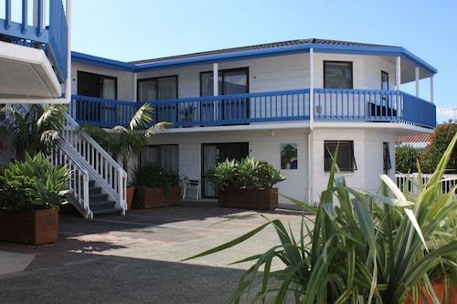 Snells Beach Motel, Rodney